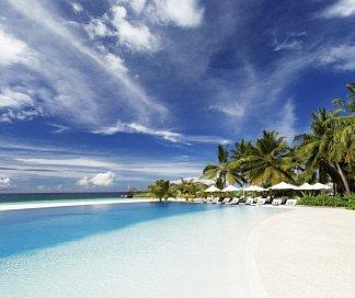 Hotel Velassaru Maldives, Malediven, Süd Male Atoll, Bild 1