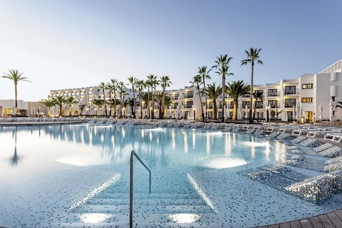 Hotel Grand Palladium White Island Resort & Spa, Spanien, Ibiza, Playa d'en Bossa, Bild 1