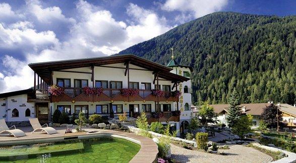 Hotel Kristiania Leading Nature & Wellness Resort, Italien, Südtirol, Cogolo, Bild 1