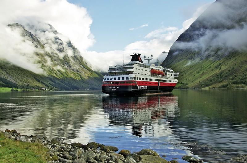 Kreuzfahrt Erlebnisreise Hurtigruten: Reise über den Polarkreis, Kreuzfahrt, Kittilä/Bergen