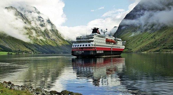 Kreuzfahrt Erlebnisreise Hurtigruten: Reise über den Polarkreis, Kreuzfahrt, Kittilä/Bergen, Bild 1