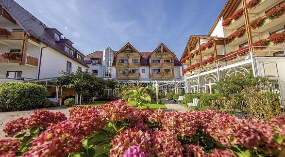Hotel Ringhotel Krone Schnetzenhausen, Deutschland, Region Bodensee, Friedrichshafen, Bild 1