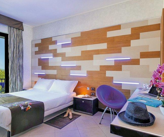 Hotel Mare, Italien, Ligurien, Savona, Bild 1