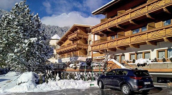Aktiv Hotel Donnerhof, Österreich, Tirol, Fulpmes, Bild 1