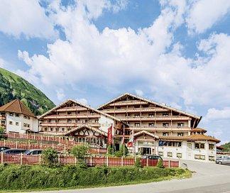 Hotel Familien- und Kinderhotel Kaiserhof, Österreich, Tirol, Berwang, Bild 1