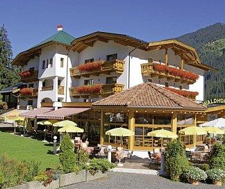 Hotel Aktivhotel Waldhof, Österreich, Tirol, Oetz, Bild 1