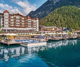 Hotel Entners am See, Österreich, Tirol, Pertisau, Bild 1