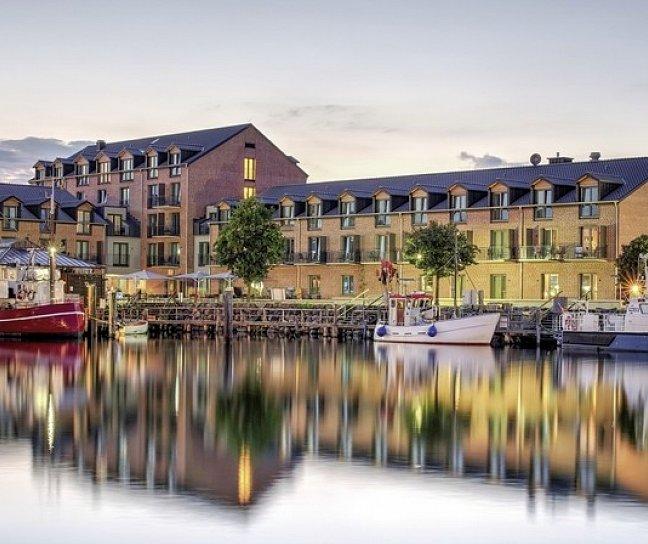 Hotel Hafenhotel Meereszeiten, Deutschland, Ostseeküste, Heiligenhafen, Bild 1