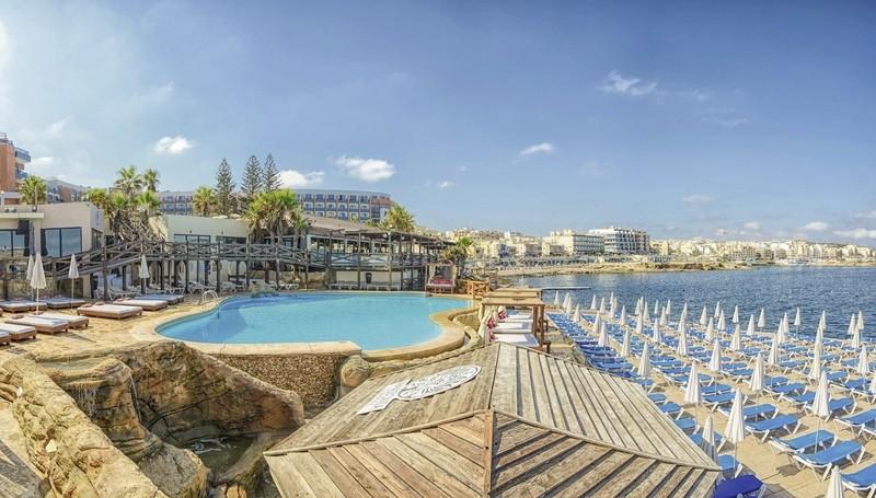 Hotel Dolmen, Malta, Qawra