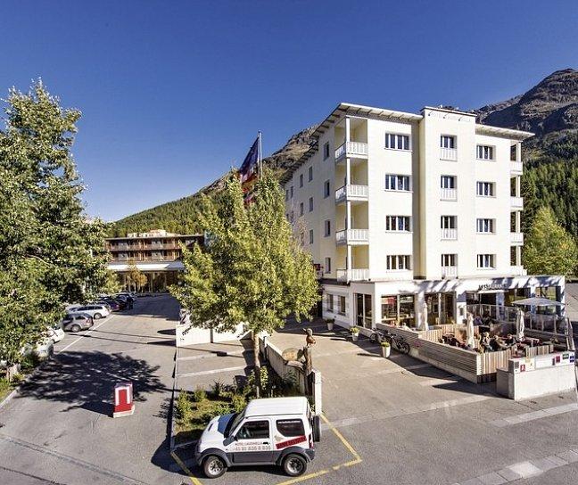Hotel Laudinella, Schweiz, Graubünden, St. Moritz, Bild 1
