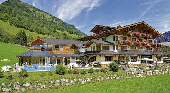 Hotel Feriendorf Ponyhof Hollaus, Österreich, Salzburger Land, Fusch an der Großglocknerstraße, Bild 1