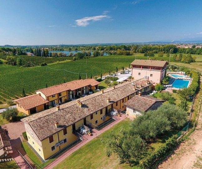 Hotel Residence La Bertoletta Village Apartments, Italien, Gardasee, Peschiera del Garda, Bild 1