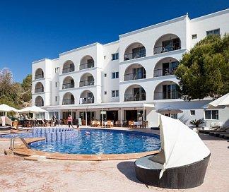 Hotel Apartamentos Puerto Cala Vadella, Spanien, Ibiza, Sant Josep de sa Talaia, Bild 1